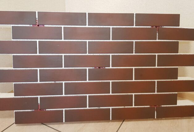 Facade thermal panels with clinker tiles