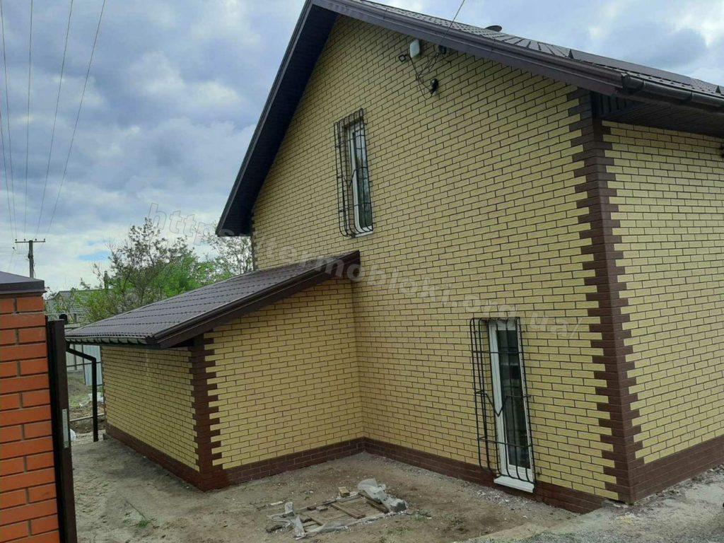 Диброво. Днепропетровская область. Термопанель с фасадной плиткой Церрад песочная (фасад) и браз (углы) 1