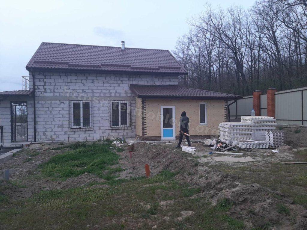 Диброво. Днепропетровская область. Термопанель с фасадной плиткой Церрад песочная (фасад) и браз (углы) 7