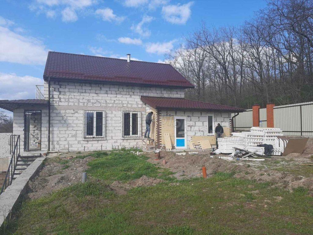Диброво. Днепропетровская область. Термопанель с фасадной плиткой Церрад песочная (фасад) и браз (углы) 9